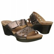 Waikiki 16 Sandals (Basalt Metallic) - Women's San