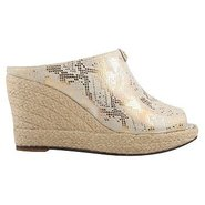 Vachel Shoes (Beige/Metallic) - Women's Shoes - 6.